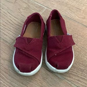 Girls Maroon Toms shoes